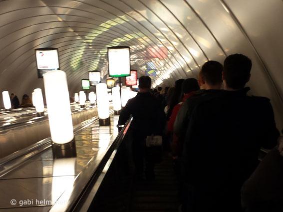 gabihelmchen_st.petersburg_metro01