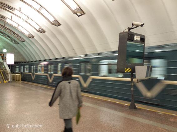 gabihelmchen_st.petersburg_metro03