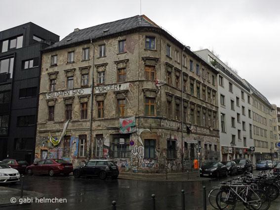 gabihelmchen_Besetztes Haus01